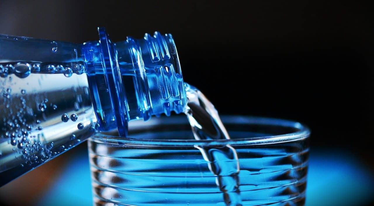 botella-de-agua-1280x707.jpg