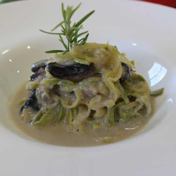 Espagueti de calabacín con champiñón
